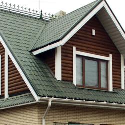 Крыша из металочерепицы с пластиковыми окнами